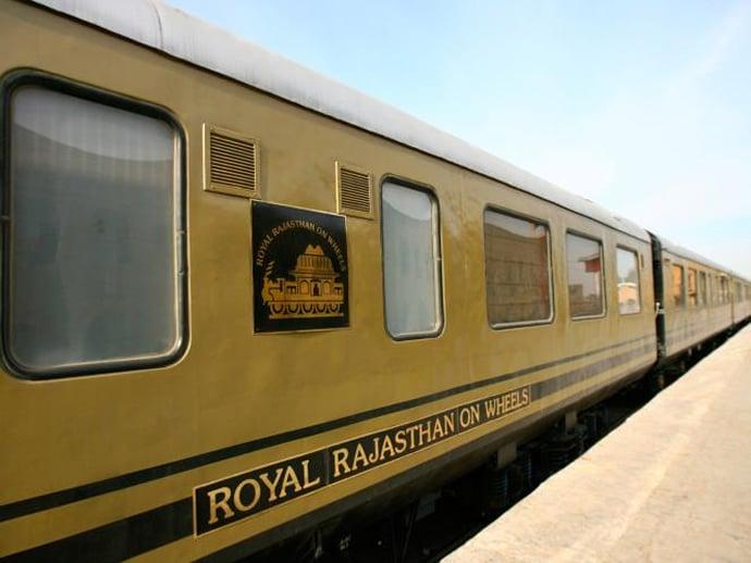 royal-rajasthan-on-wheels-1
