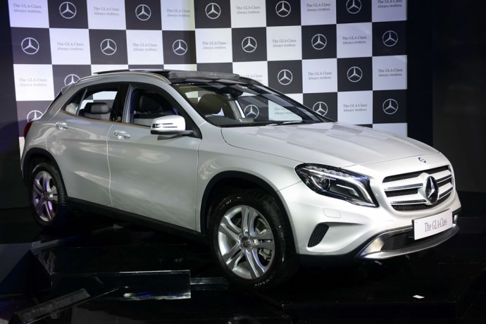 Mercedes gla class launched in india at rs lakh to for Mercedes benz gla class india
