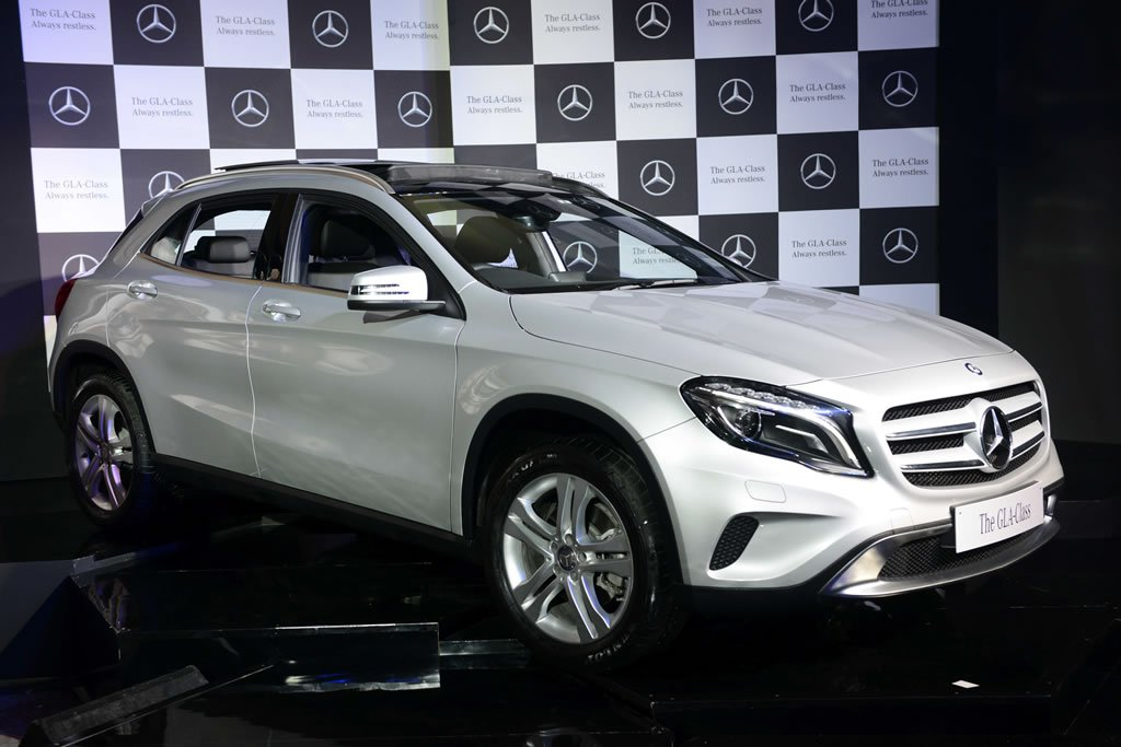 mercedes gla class launched  india  rs  lakh  compete  audi   bmw