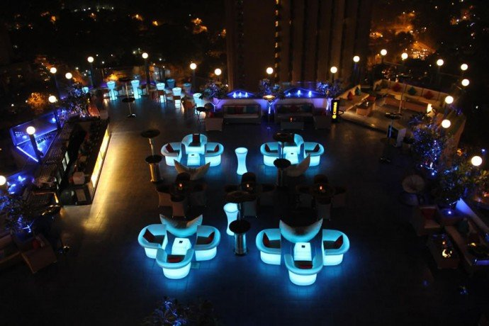 Review Delhi S Largest And Highest Sky Lounge Bar