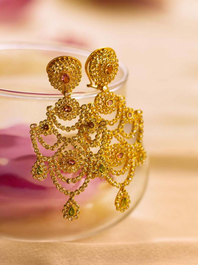 Tanishq unveils the new Wedding Collection 2013 -