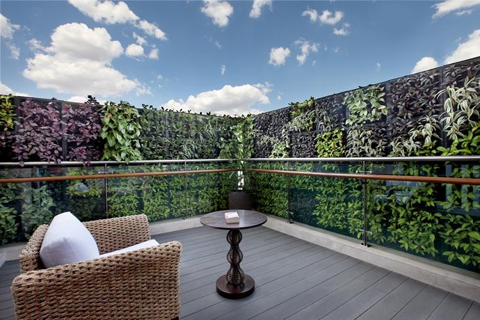 fountainhead-master-bedroom-deck