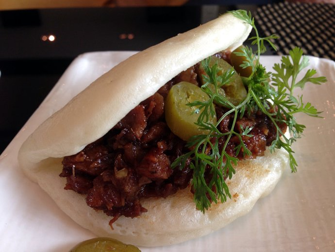 intercontinental-mumbai-steamed-pulled-pork-buns