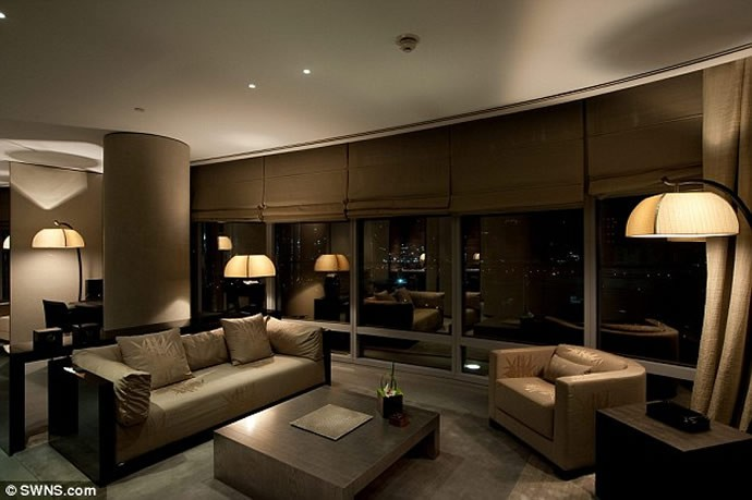 Inside mumbai 39 s swankiest apartment designed by giorgio for Armani hotel dubai design