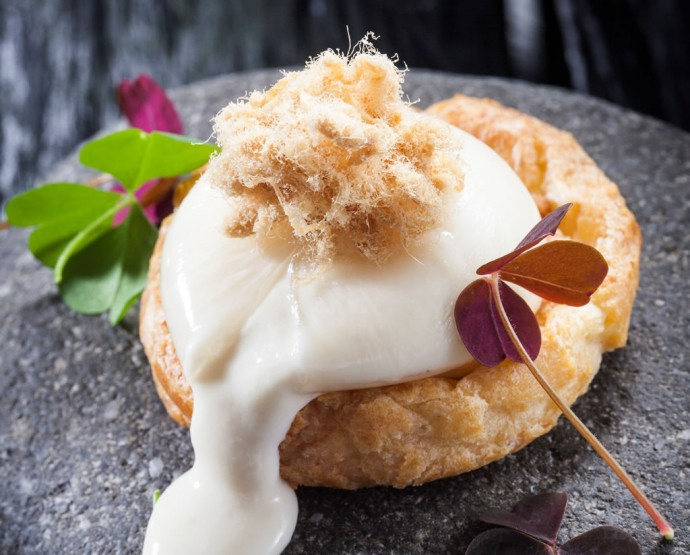 Salted shortbread cookie, ball in the cheese, pork's cotton-Chef Laurent Peugeot