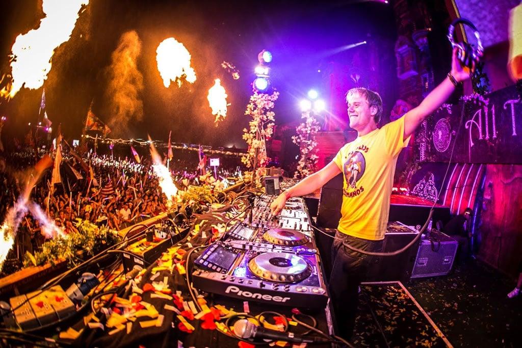 Armin Van Buuren  drivemusicme