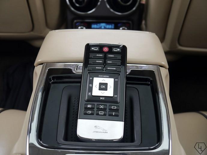 2015-jaguar-xj-remote