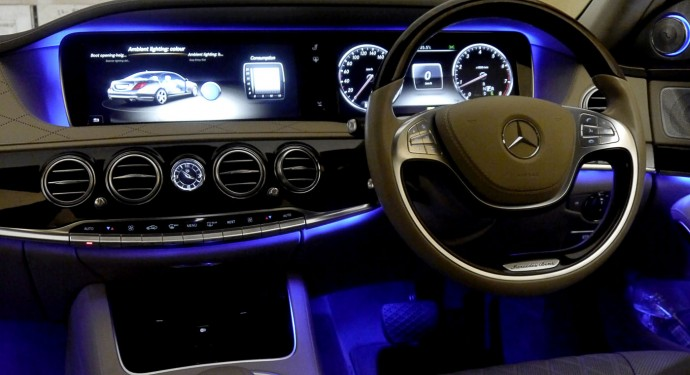 mercedes-s500-cabin-blue