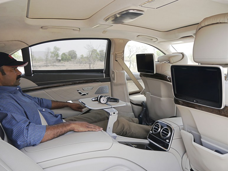mercedes-s500-interiors-rear-2