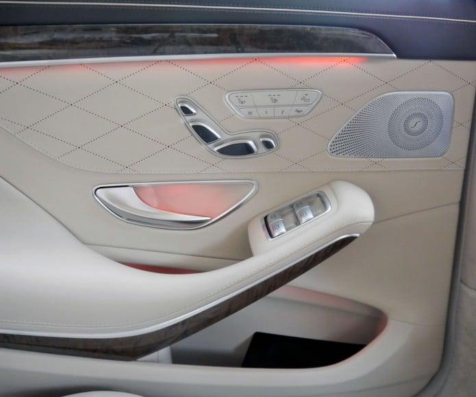 mercedes-s500-rear-seat-controls