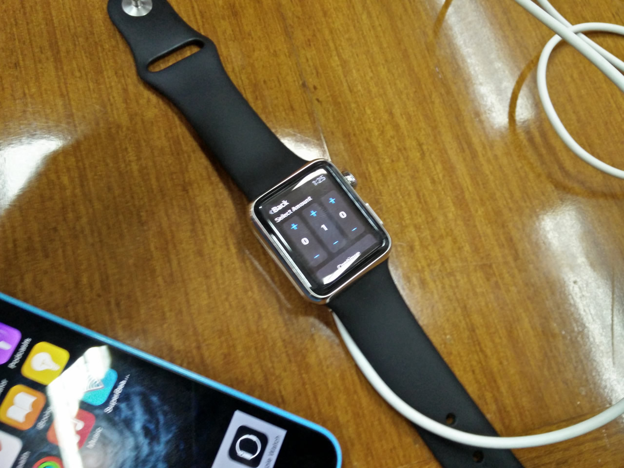 HDFC-Bank-apple-watch-banking-2