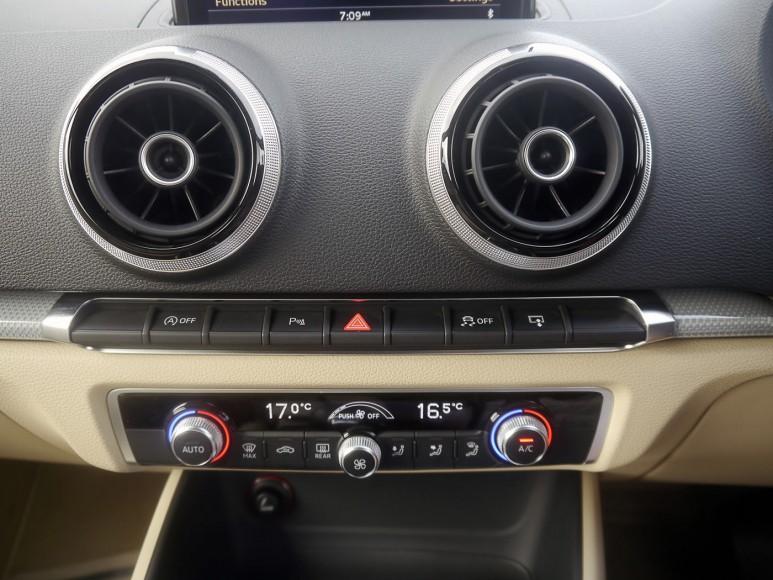 audi-a3-cabriolet-dash