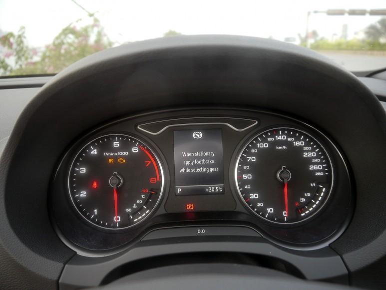 audi-a3-cabriolet-dials