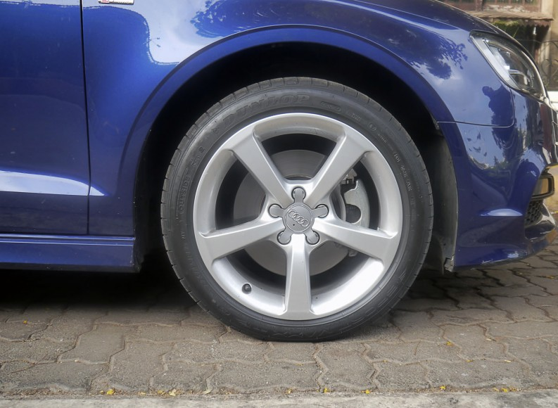 audi-a3-cabriolet-wheel