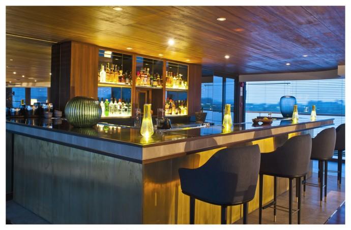 Aqua Mekong Indoor Bar -5