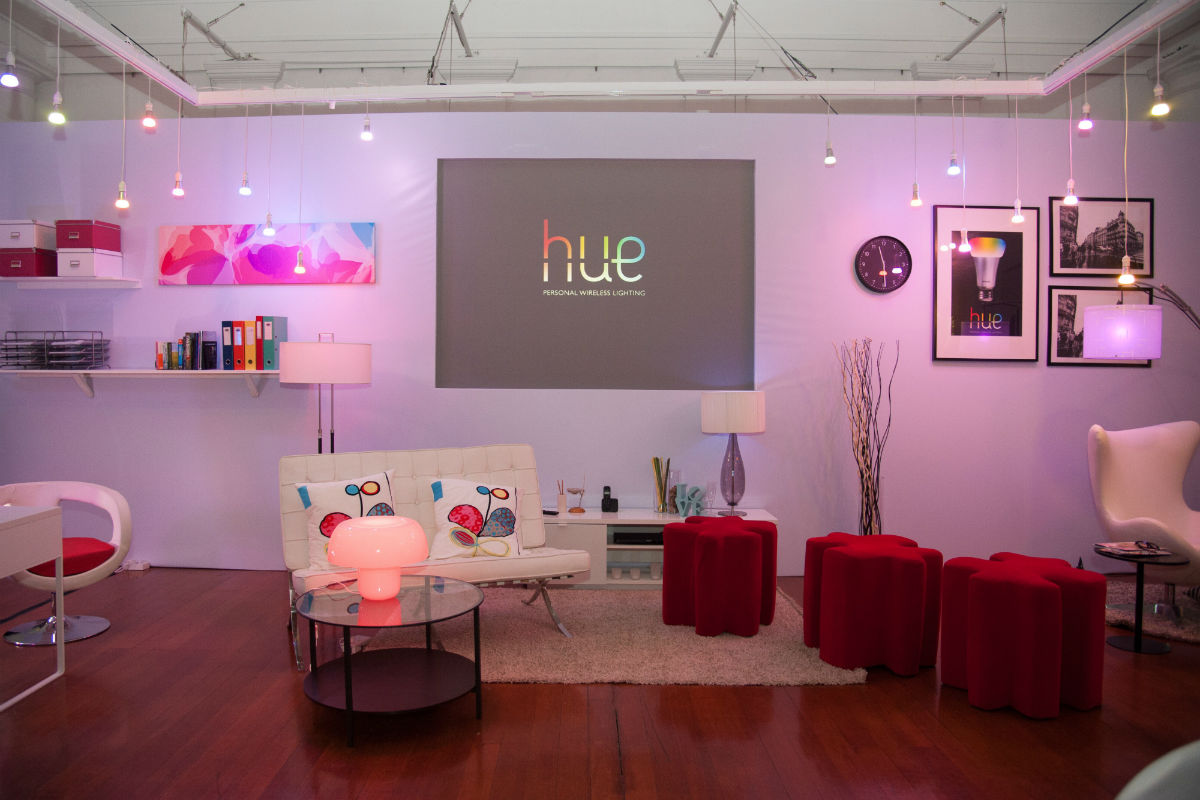 we test the philips hue led bulbs to see just how colorful they can be. Black Bedroom Furniture Sets. Home Design Ideas