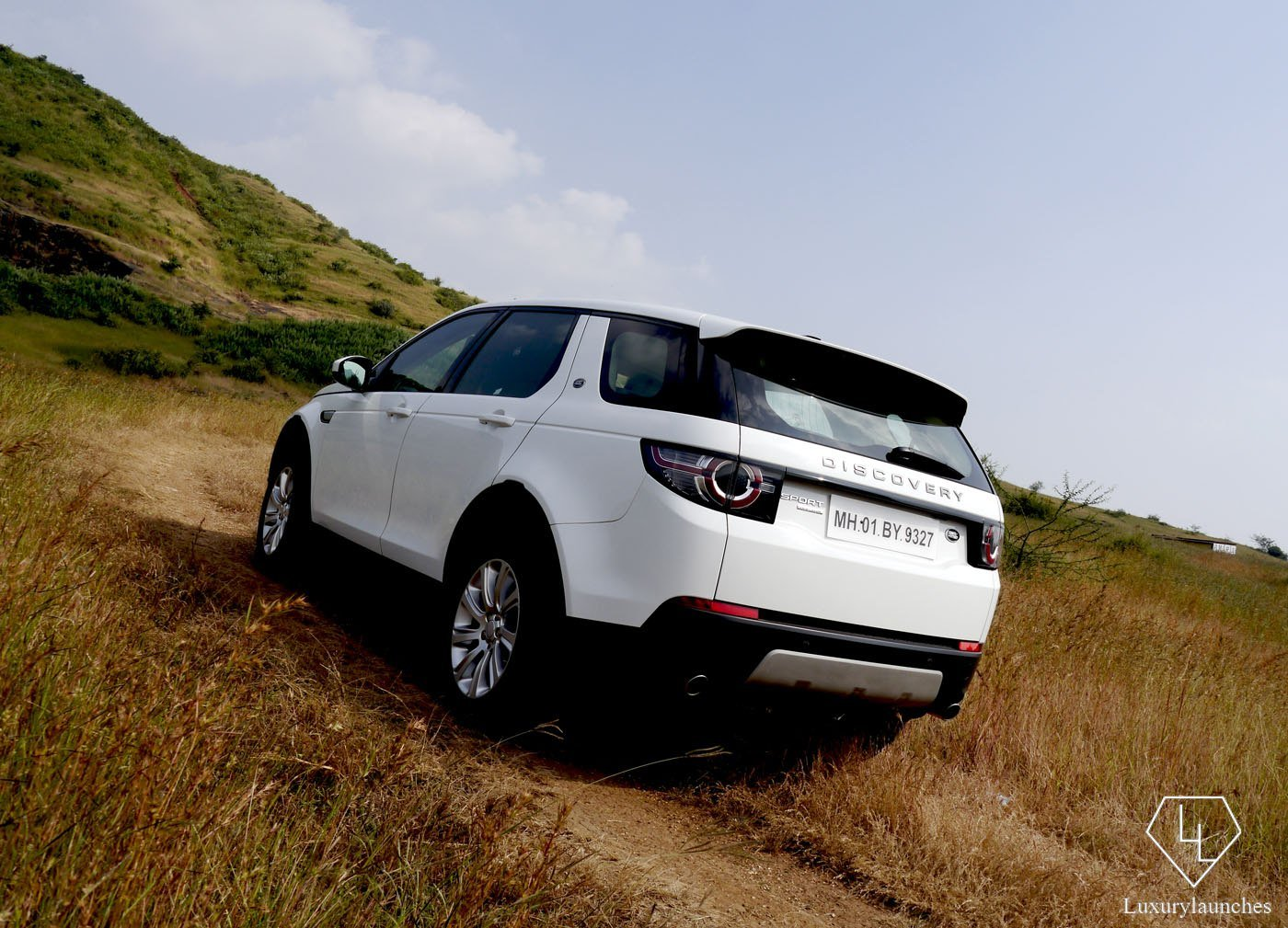 range-rover-discovery-sport-side-1