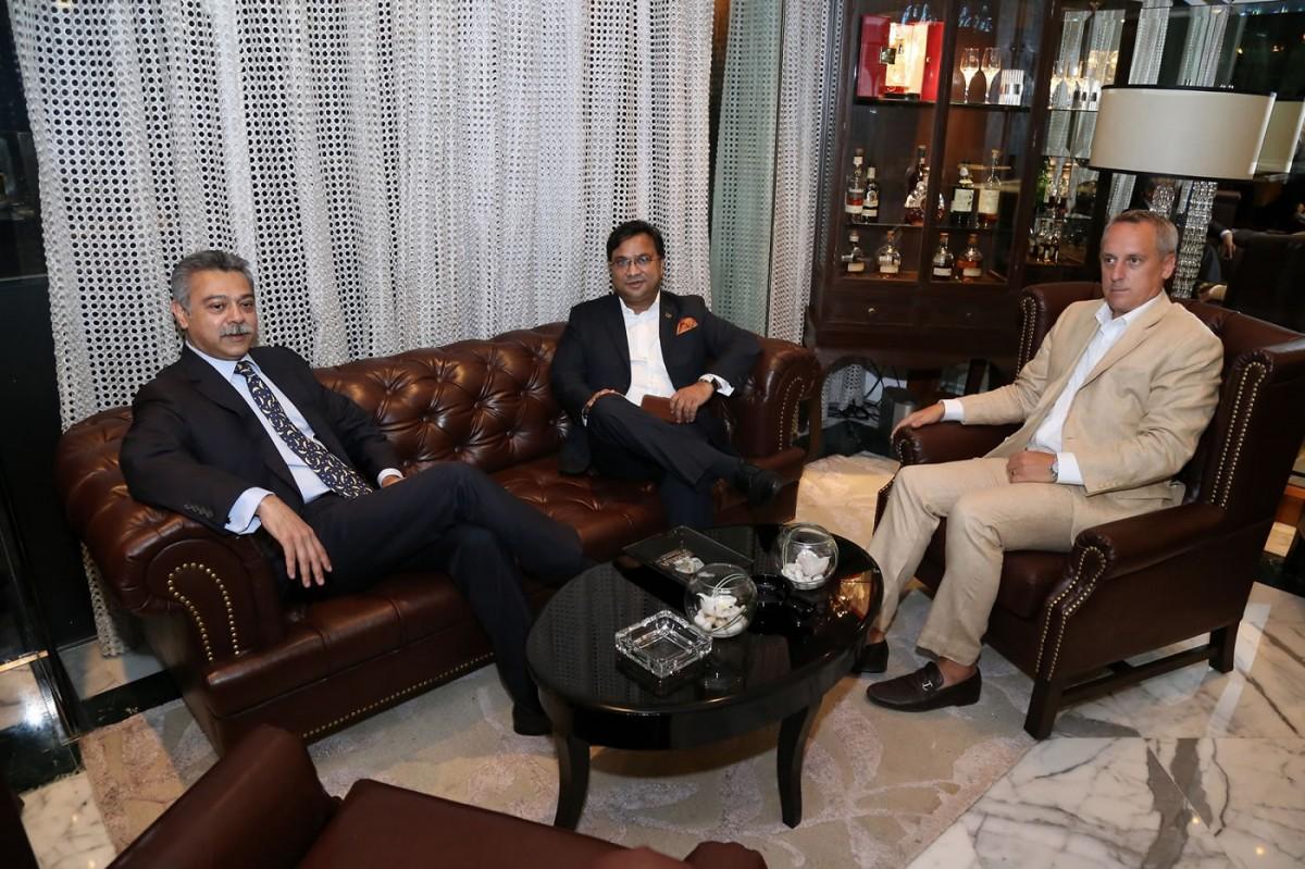 (L-R) Mr Anish Trivedi, Mr Biswajit Chakraborty - GM Sofitel Mumbai BKC, Mr Danny Carroll - Brand Ambasador India, Gurkha Cigars_2