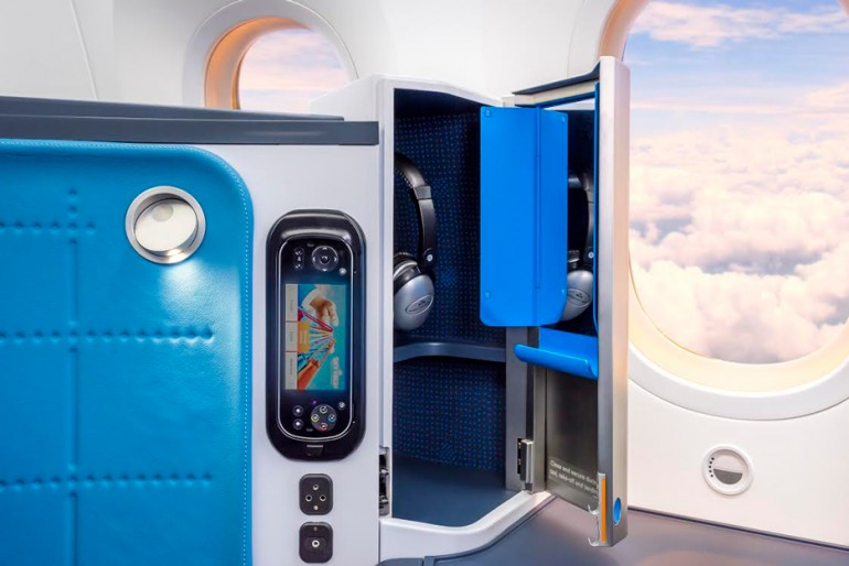 klm-dreamliner-interiors-3