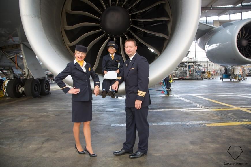 Indian-boy-makes-Lufthansa-first-in-flight-announcemen (10)