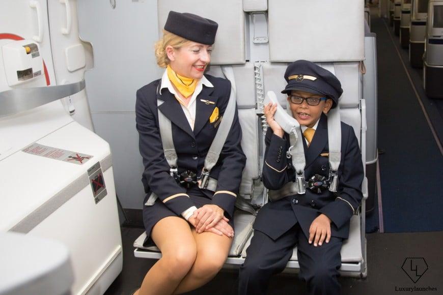 Indian-boy-makes-Lufthansa-first-in-flight-announcemen (12)