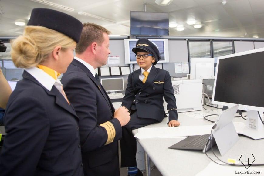Indian-boy-makes-Lufthansa-first-in-flight-announcemen (7)