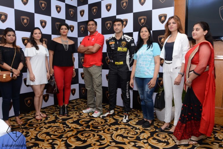 Armaan-Ebrahim-Sharad-Agarwal-Sheetal-Dugar-alongwith-other-women-for-the-1st-Super-Sports-Car-Drive-for-Women-by-Lamborghini-in-New-Delhi-770x514