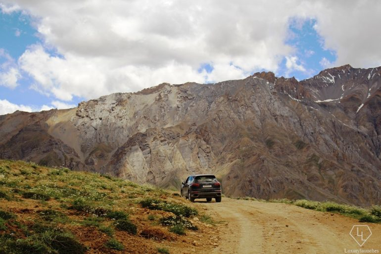 enroute Thinam - one of the highest  roads at over 15000ft