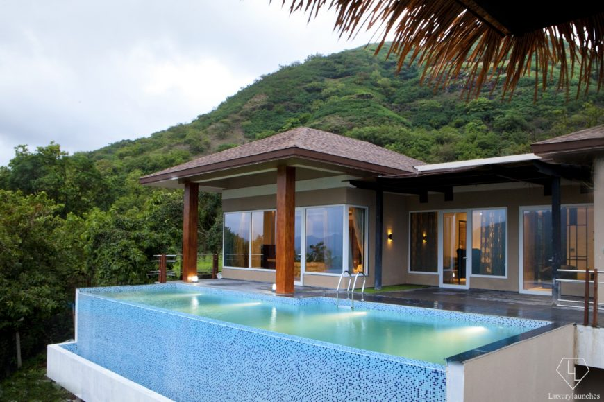 Should you wish to splurge - There is the Mango Tree villa.