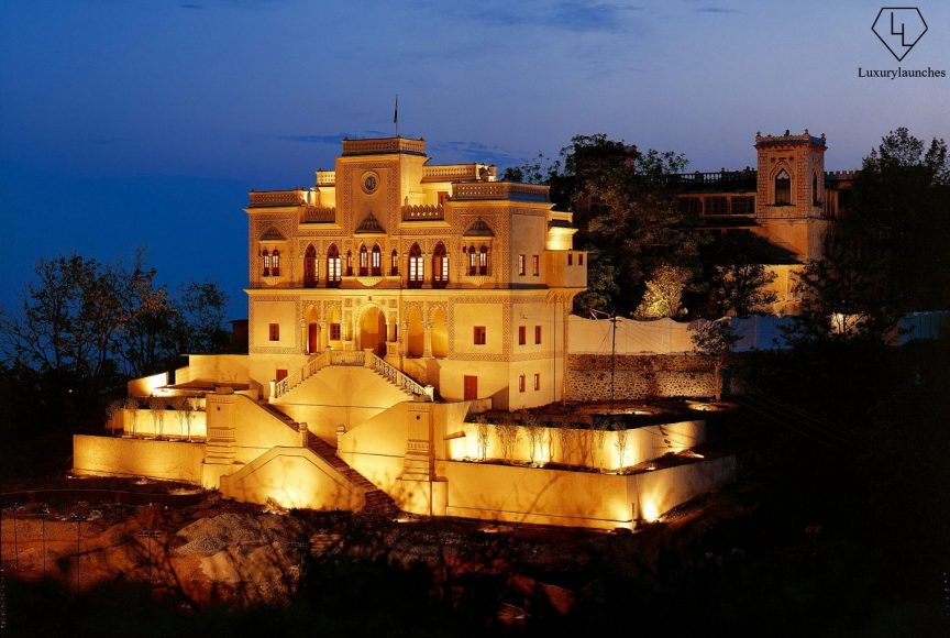 Ananda in the Himalayas - Night