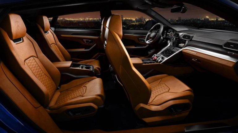 Lamborghini Urus World S Fastest Luxury Suv Launched In India At Rs