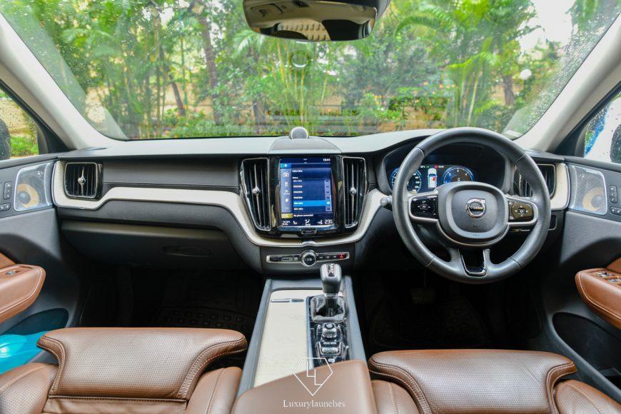 2018-Volvo-XC60 (2)
