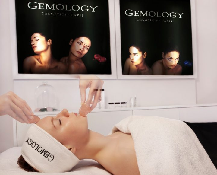 Stone Facial Massage_Gemology Treatment