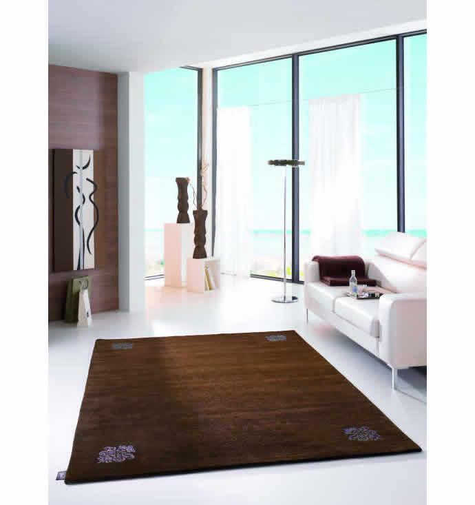 swarowski-studded-carpet-2