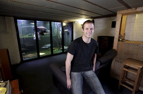 britains-biggest-home-aquarium-1