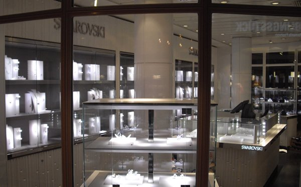 swarovski-boutique-2