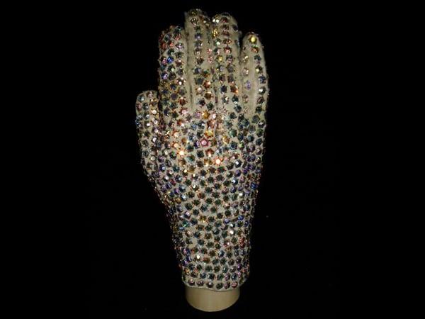 michael-jacksons-thriller-glove