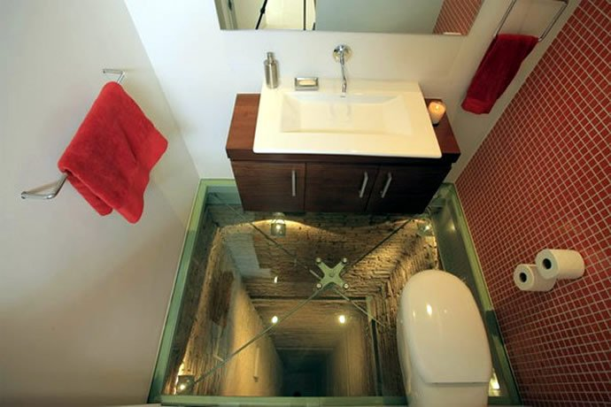 elevator-shaft-bathroom-2