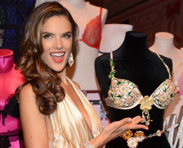 alessandra-ambrosio-victoria's-secret-2.5-million-fantasy-bra