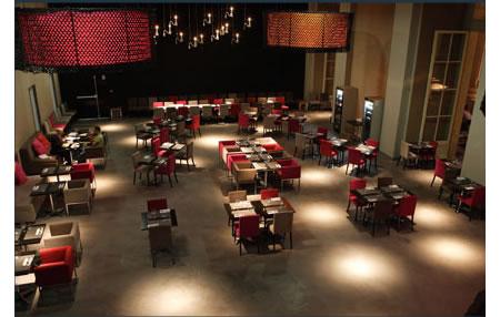 mini palais restaurant in paris beautified for 1 5 million. Black Bedroom Furniture Sets. Home Design Ideas