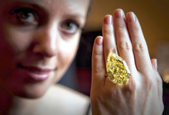 110-carat-Sun-Drop-diamond-11