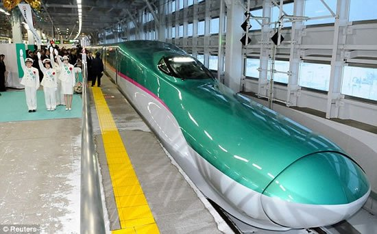 186mph-Japanese-bullet-train-Hayabusa-5