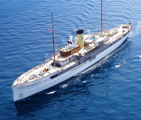 1920s_Steam_Yacht-thumb-450x383