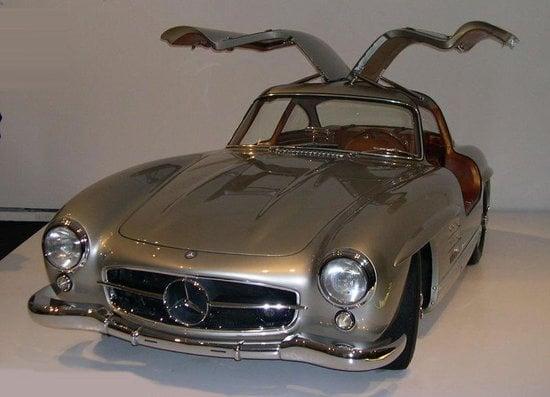 1956-Mercedes-Benz-300-SL-Gullwing-thumb-550x397