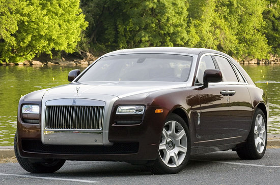 2010-Rolls-Royce-Ghost-1-thumb-550x365