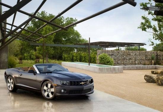 2011-Chevrolet-Camaro-Convertible-2-thumb-550x379