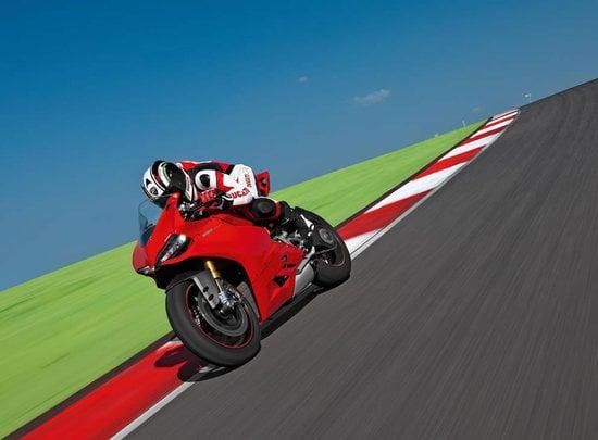 2012-Ducati-1199-Panigale-Superbike-7-thumb-550x405