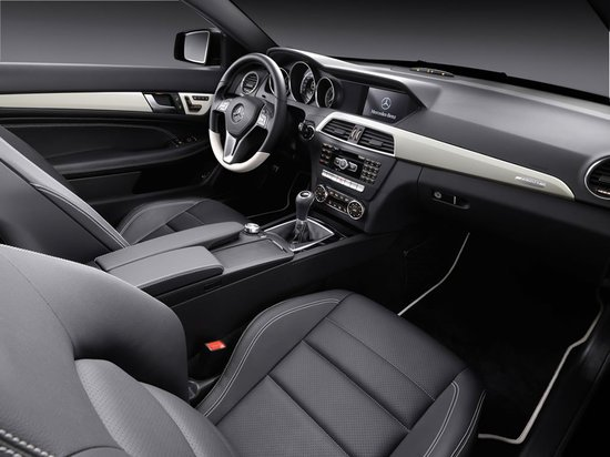 2012-Mercedes-Benz-C-Class-Coupe-4-thumb-550x412