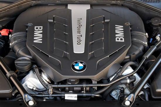 2013-bmw-7-series-facelift-20-thumb-550x366
