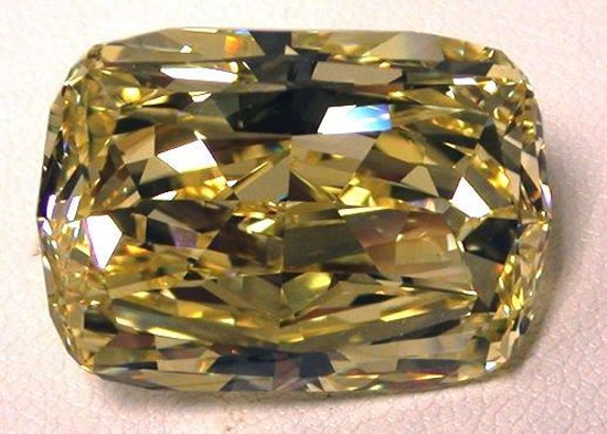 43-Carat-Fancy-Yellow-Diamond-1